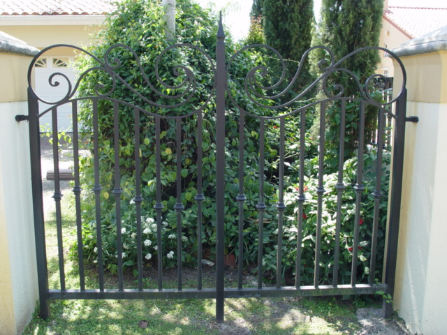 Aluminum Fence Aluminum Picket Fences Privacy Fence Security
