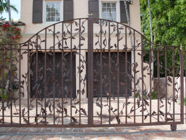 Iron gates ornamental iron gate designs Metal gate designs images