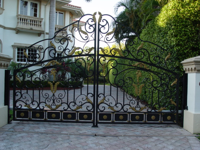 Wrought Iron Gates,Aluminum Driveway Gates,Custom Gate,Estate Gates,Metal Gates,Swing Gates,Sliding Gates,Garden Gates,Aluminum Fence,Fence Design,Fence Gates,Automatic Gate