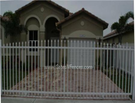 Plain Picket Gate Aluminum Picket Fence Gate Electric
