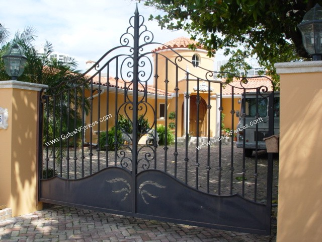 Custom Design Driveway Iron Gate The Iron Gates The Iron